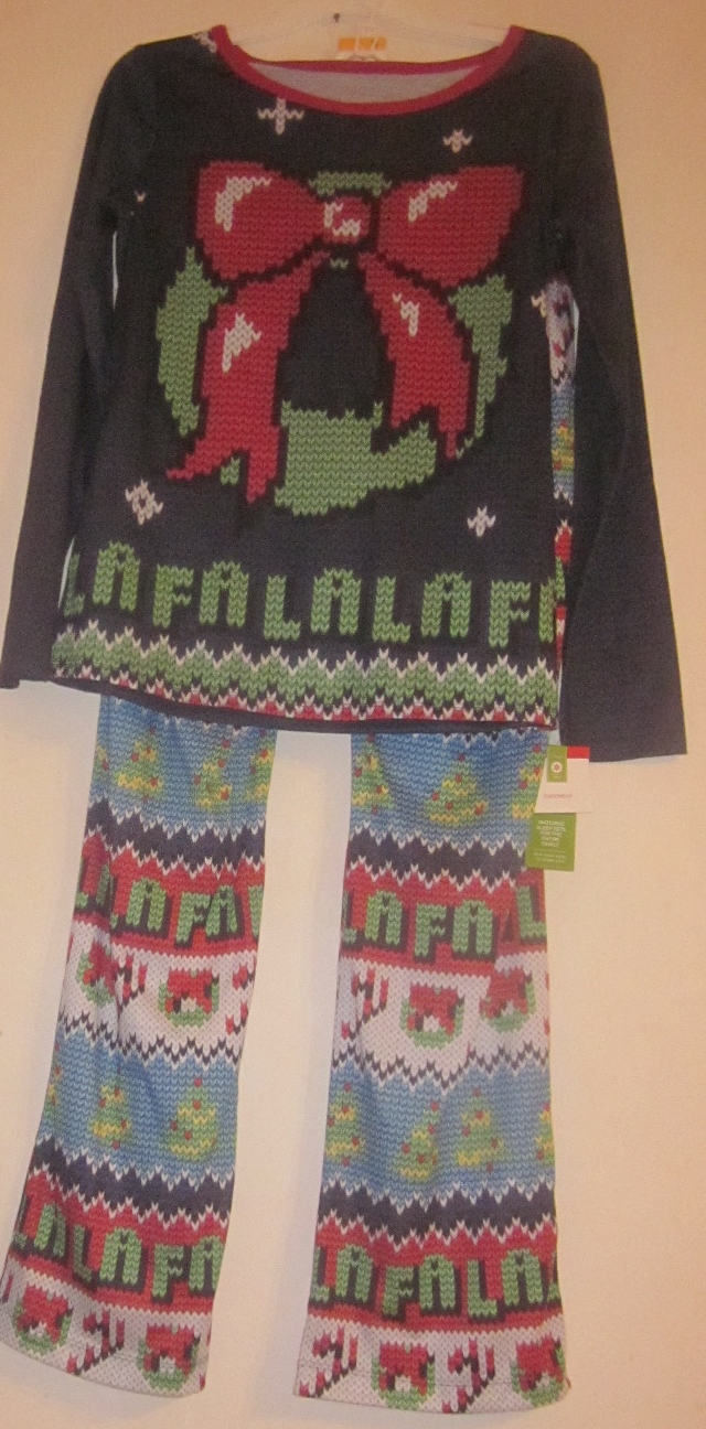 Womens Mens Christmas Wreath Sleepwear Pajamas Pjs Medium