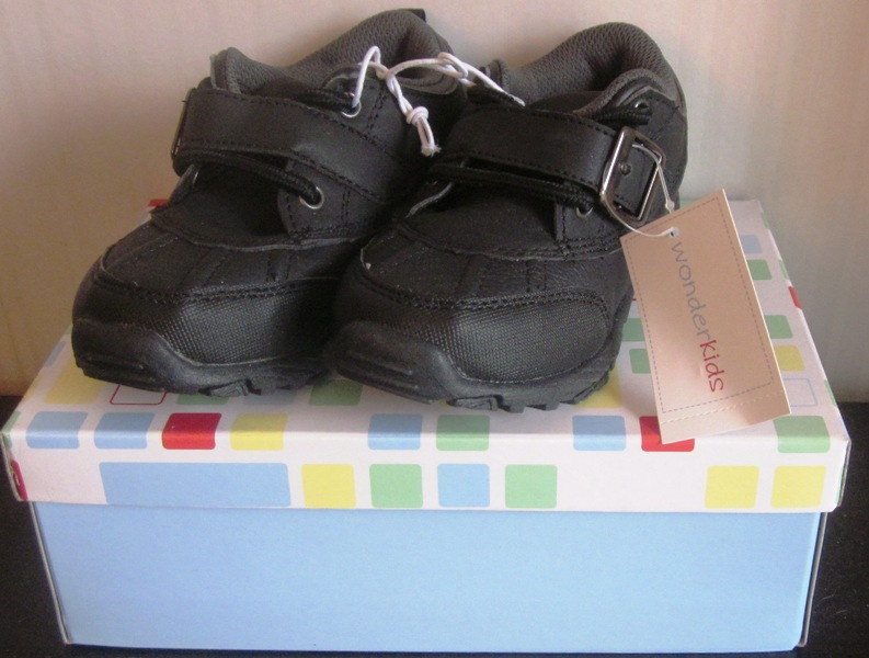 Wonderkids Black Sneakers Toddler Axel 2 Size 9
