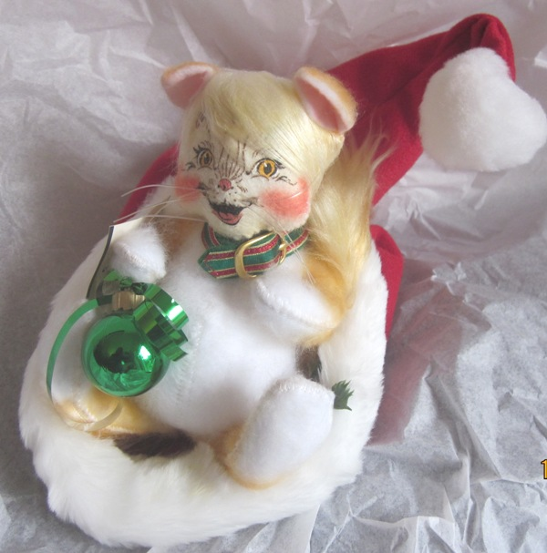 "Annalee 8"" Christmas Cat in Santa's Hat 809103"