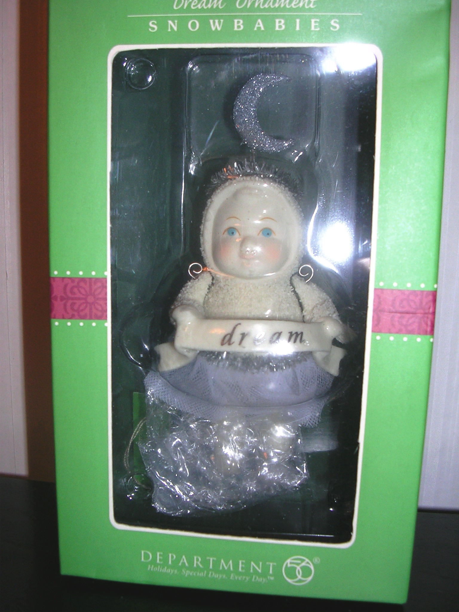 Snowbabies Dept 56 Dream Ornament