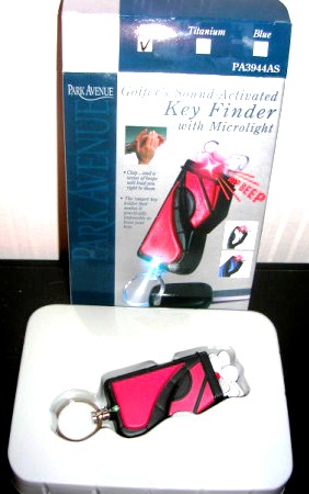 Sound Activated Key Finder with Microlight Golf Bag Red