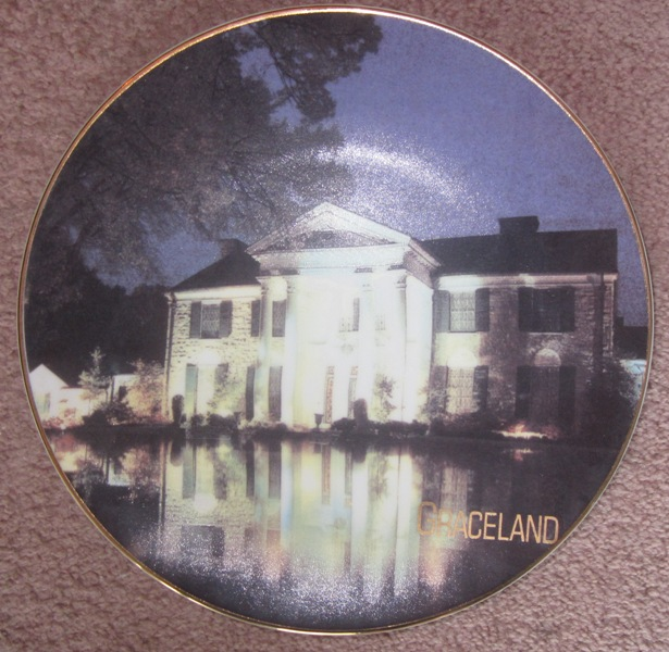 Elvis Presley Graceland Plate Front View of Graceland at Night