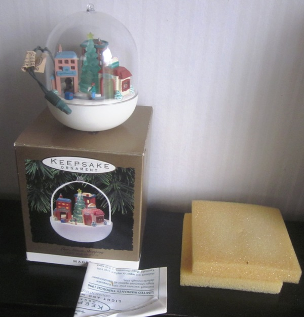Hallmark Keepsake Magic Ornament Last Minute Shopping 1993