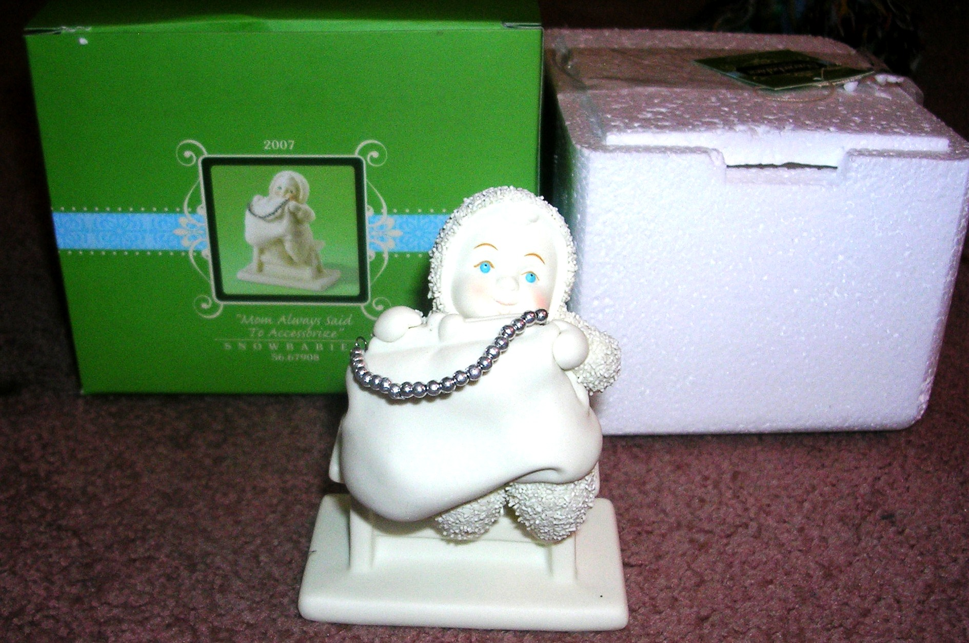 Snowbabies Mom Always Said To Accessorize Dept 56 2007