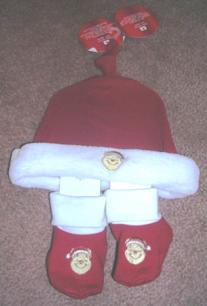 Winnie Pooh Christmas Cap and Booties Set 0 - 6 Months