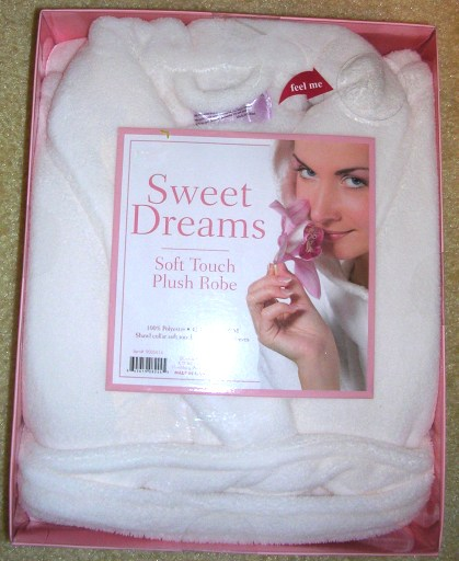 Women's Plush White Robe Bathrobe Sweet Dreams